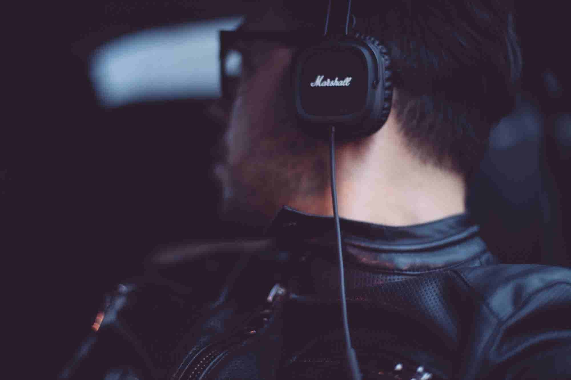 Early Music Streaming Service Grooveshark Shuts Down to Settle Infringement