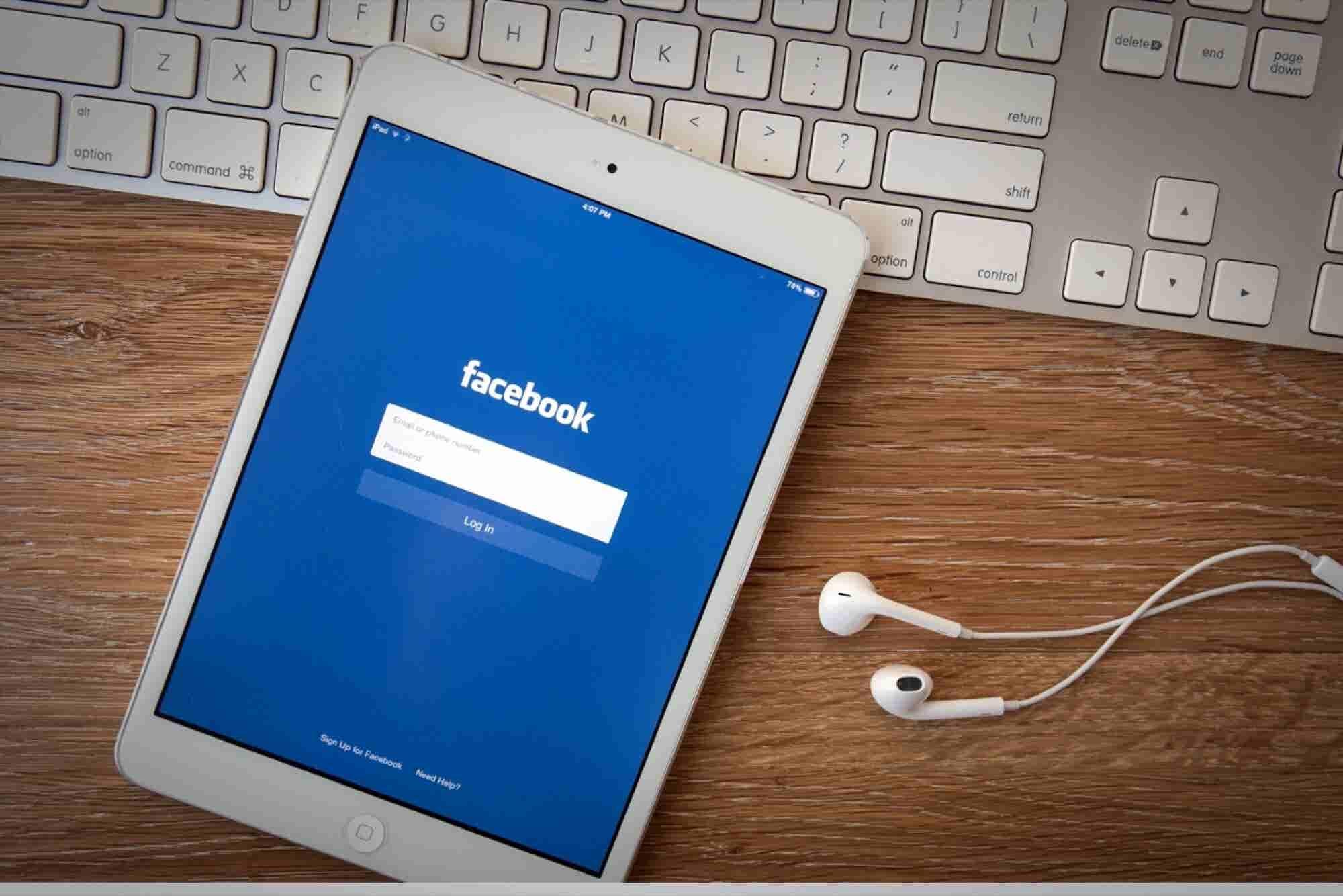 Fake News Story Invades Facebook Trending Topics