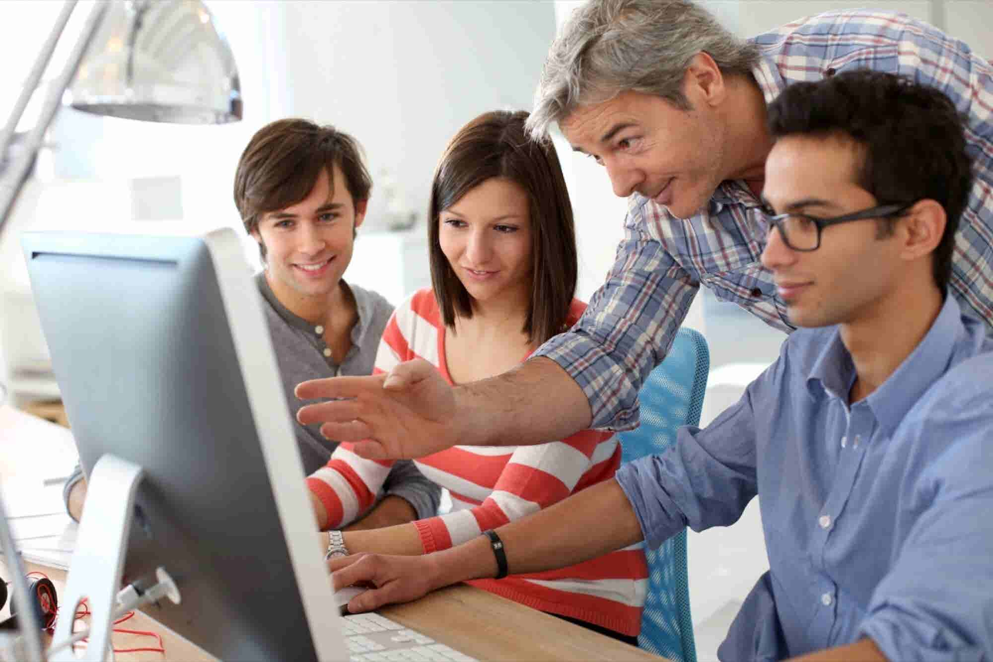 How To Hire The Best Interns For Your Start-up?