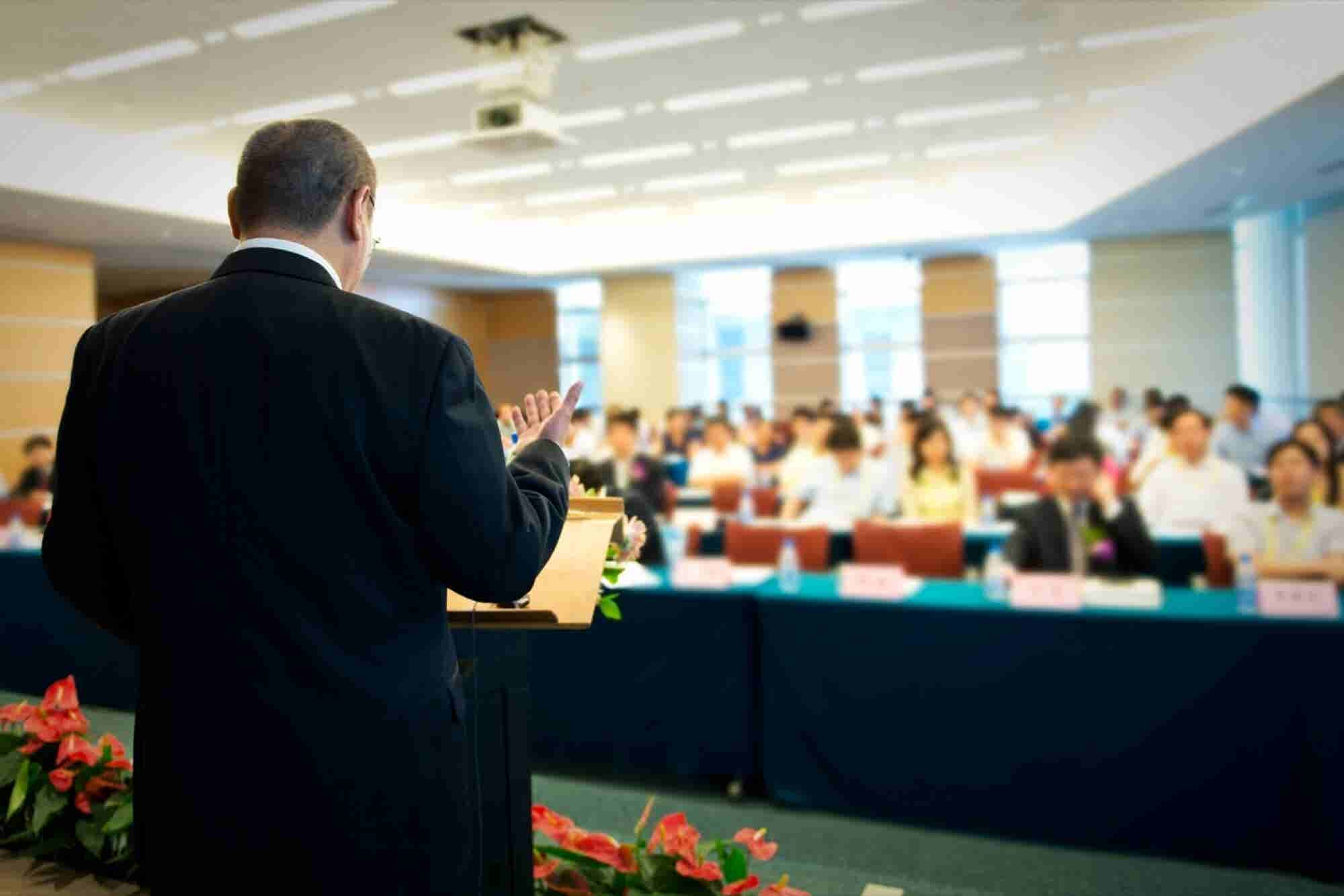 How to Give a Speech When You're Terrified of Giving a Speech
