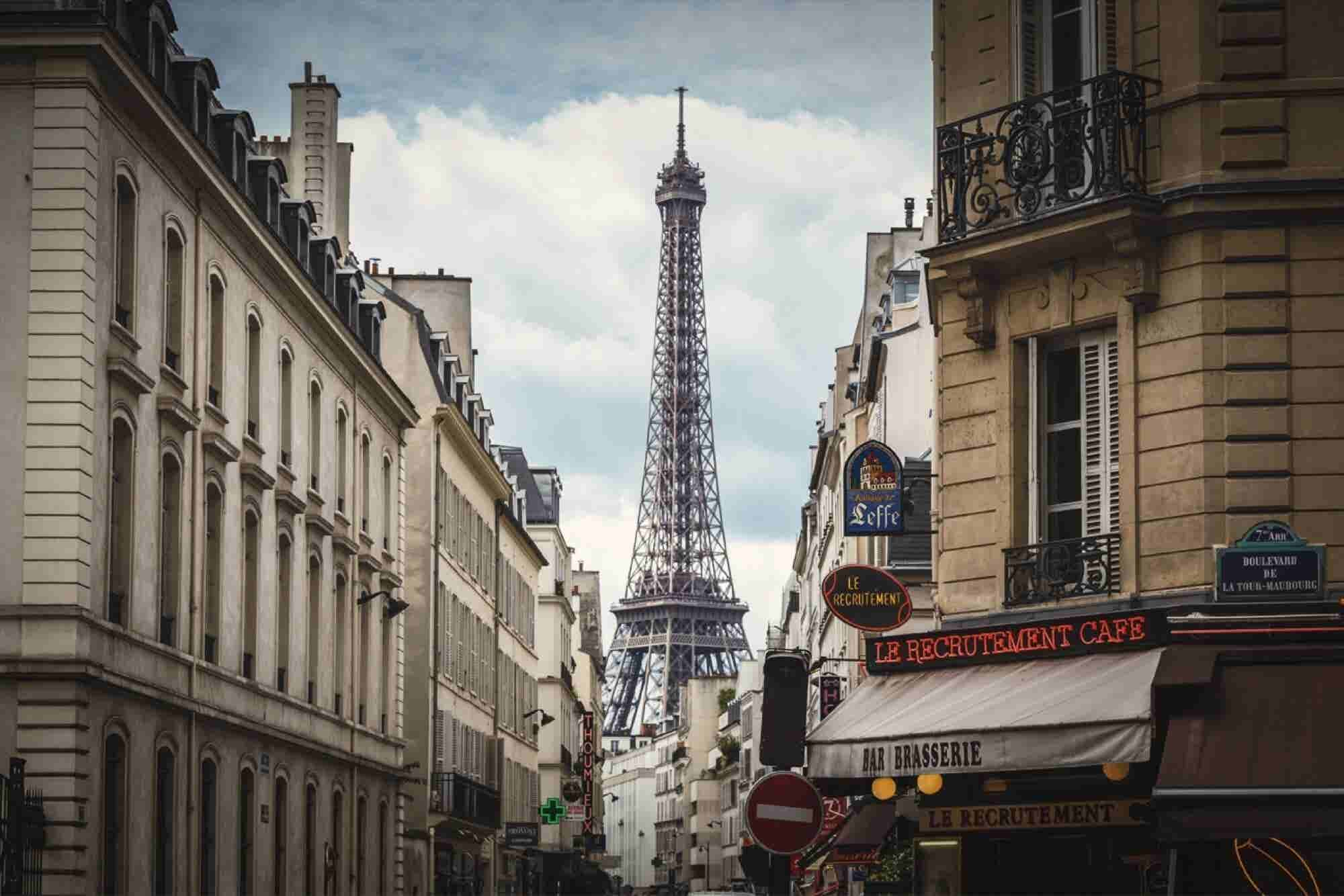 Learn French or Spanish While You GChat