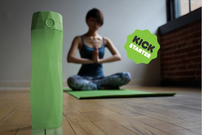 Don't Drink Enough Water? This Water Bottle Will Remind You.