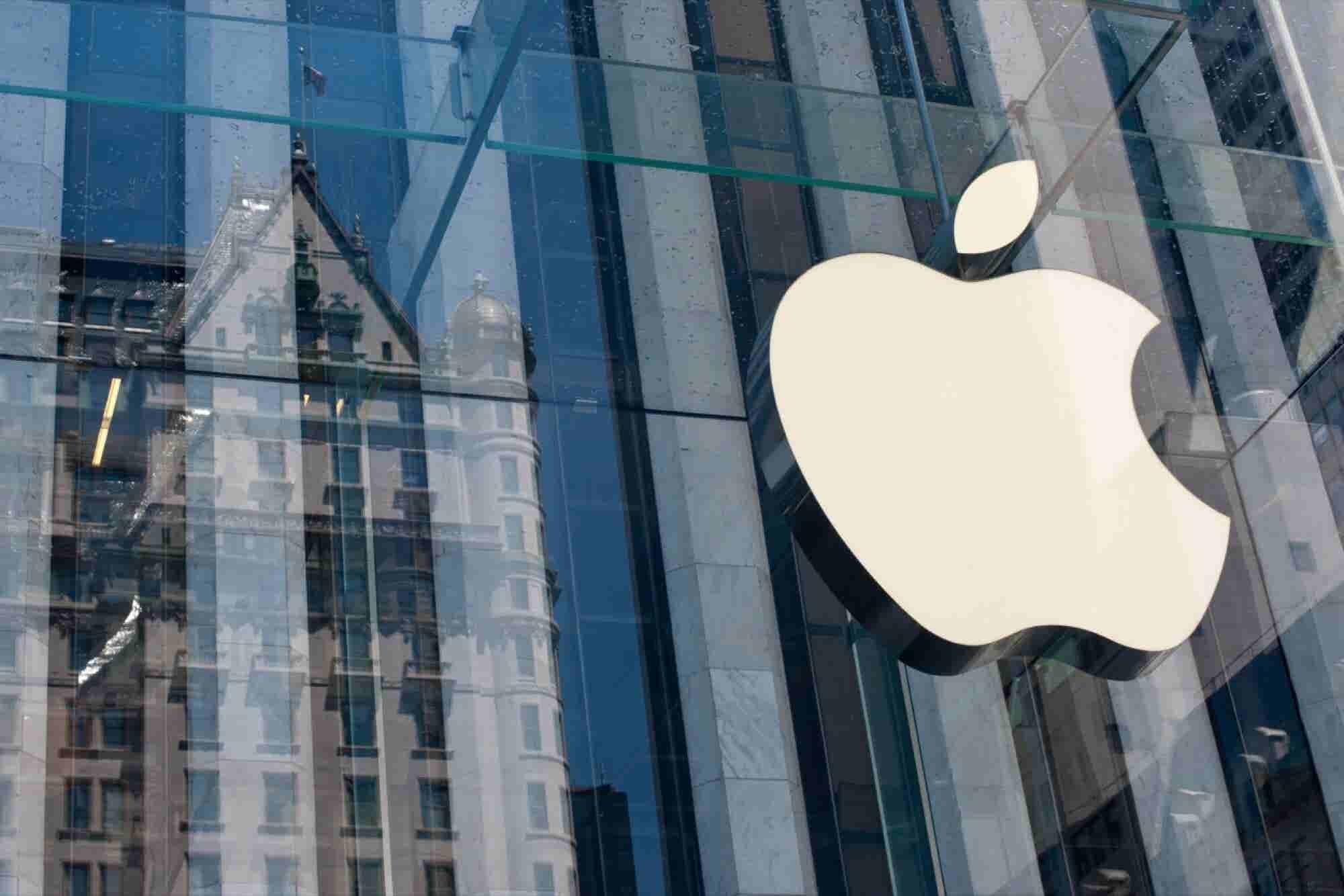 Wozniak: Apple Should Pay Much More Tax