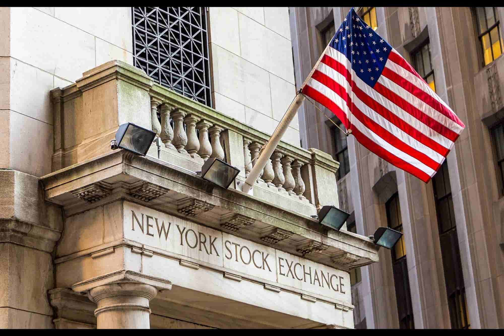 Tech Glitches Ground Planes, Freeze the NYSE: This Week's Headlines (VIDEO)