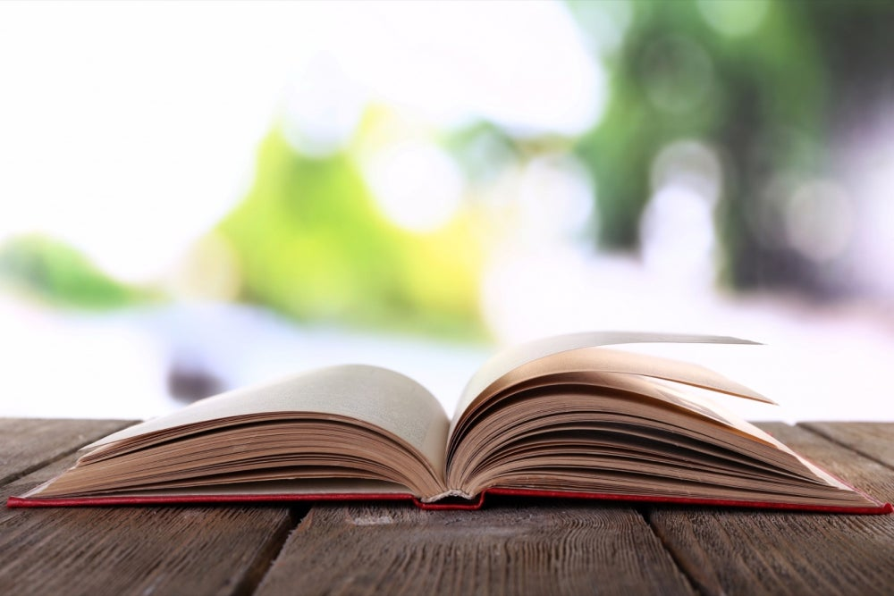 10 Entrepreneurial Must-Read Books to Kick Off Your Summer Reading List