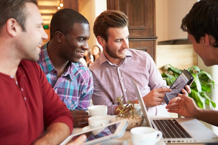 5 Things to Know Before Starting a Business With Friends