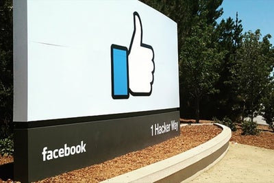 Facebook Is Officially Testing a Craigslist-Like Buying and Selling Fe...