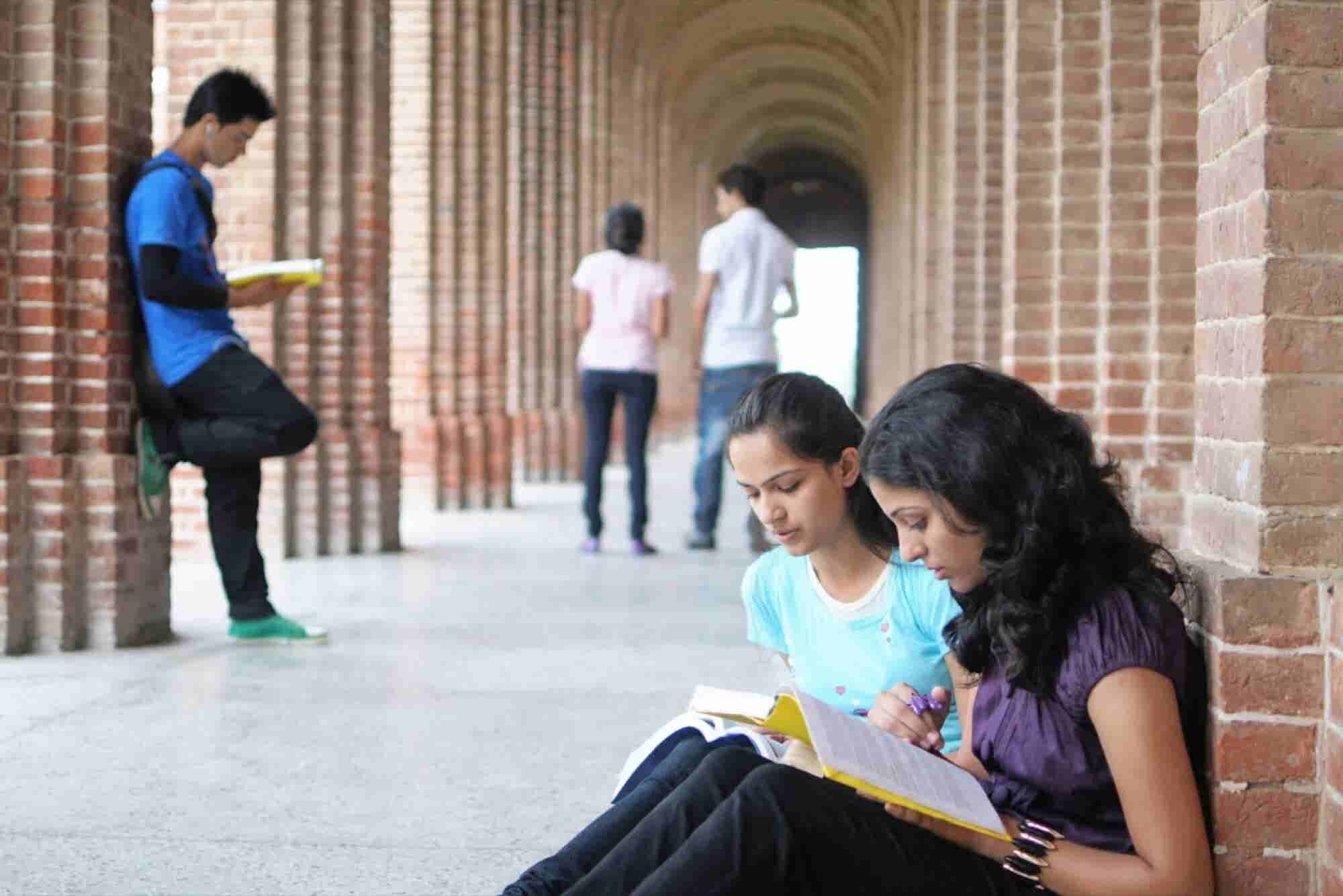 Now Students Can Pursue Education Abroad Easily