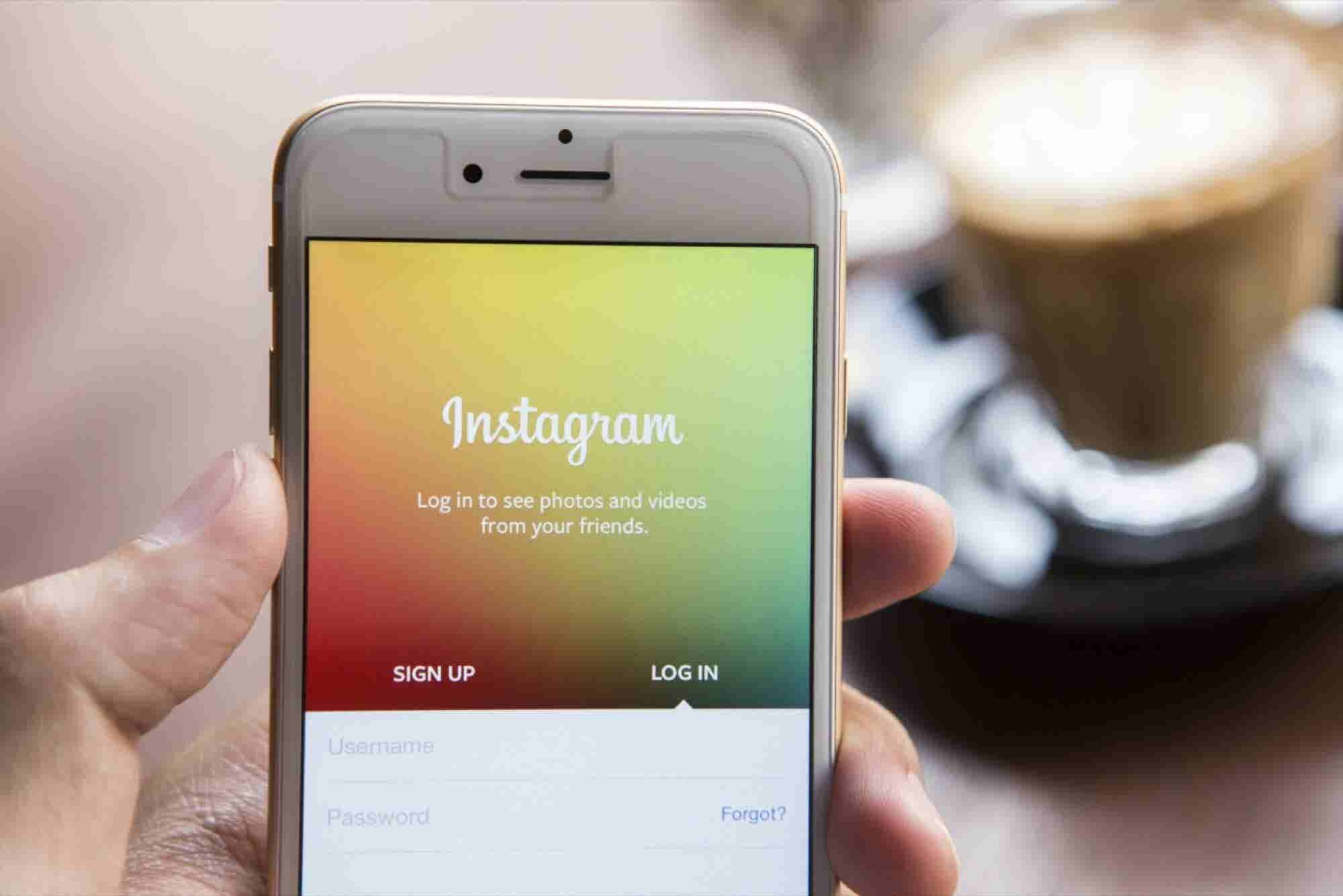 Instagram CEO Tips Hat to Snapchat for 'Stories' Feature