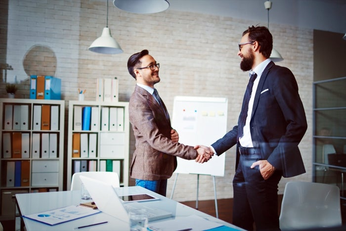 How to Create a Strong First Impression as a Leader