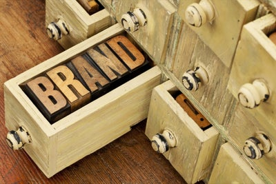 7 Essential Tools for Easily Building Your Personal Brand Online