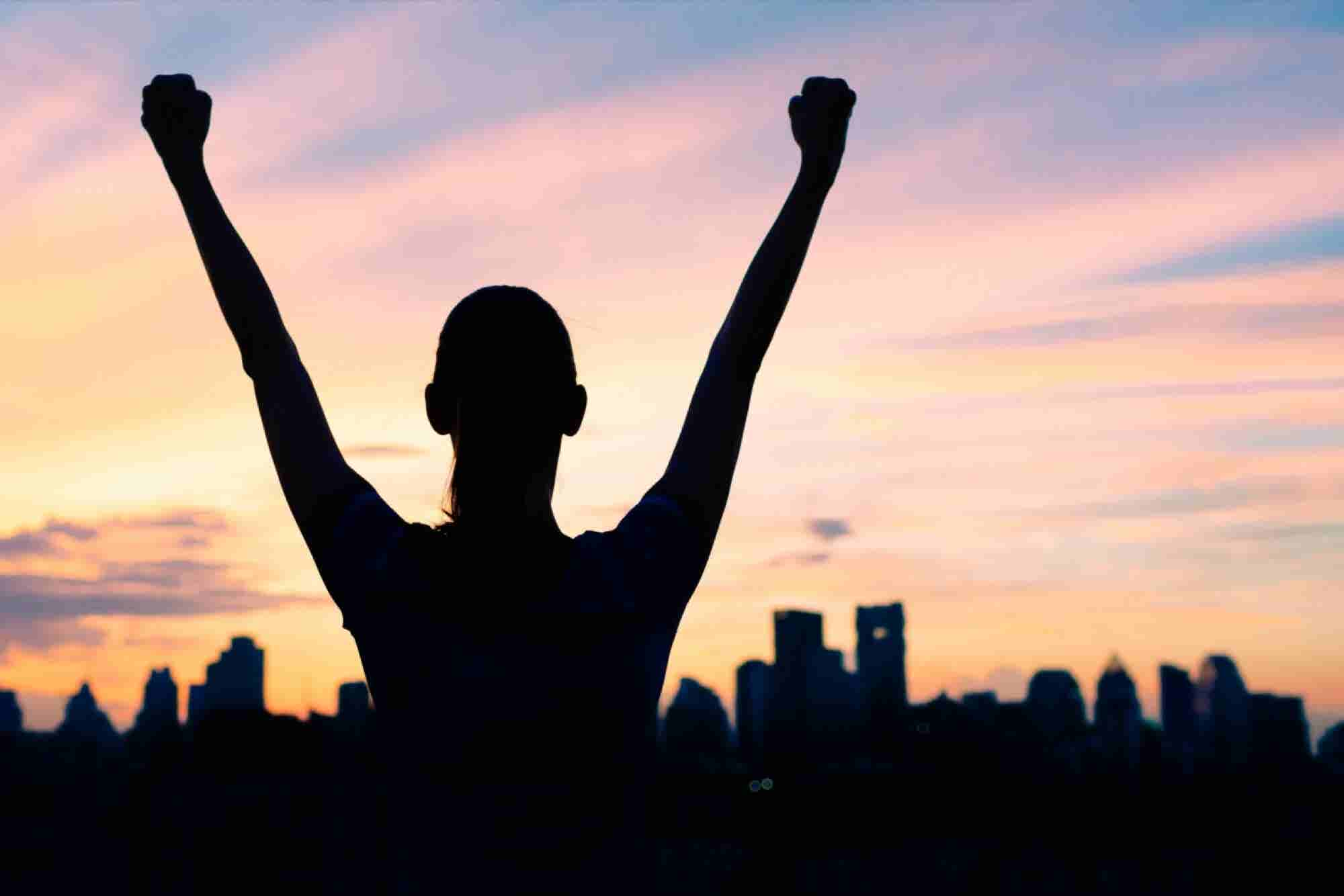 The 9 Principles That People Who Feel Successful Say They Live By (Infographic)
