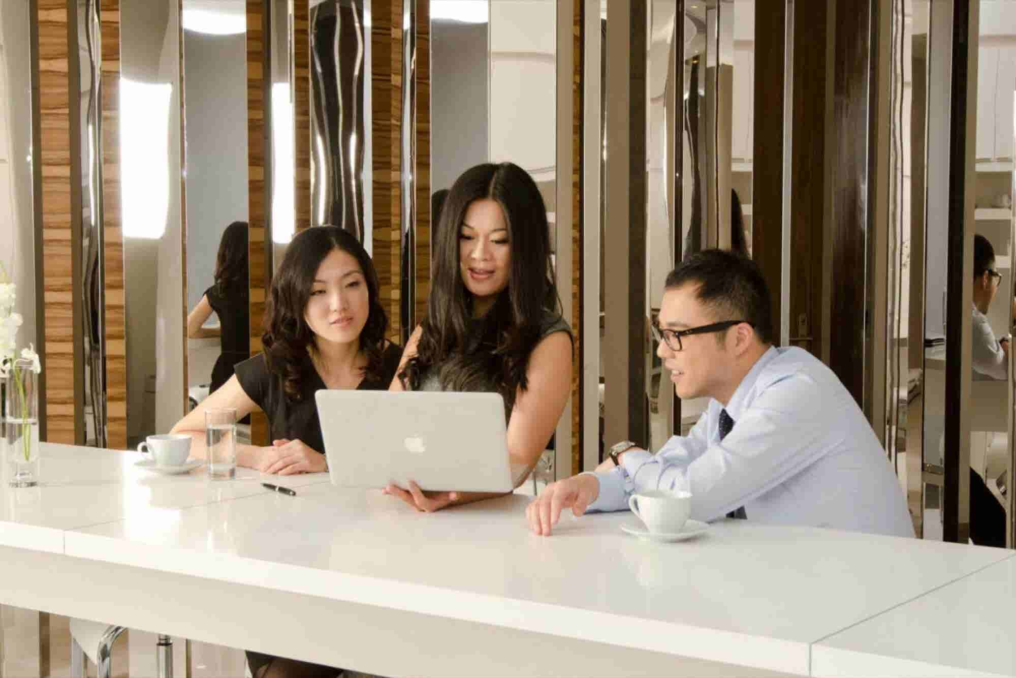 5 Reasons why we need more women in the workplace