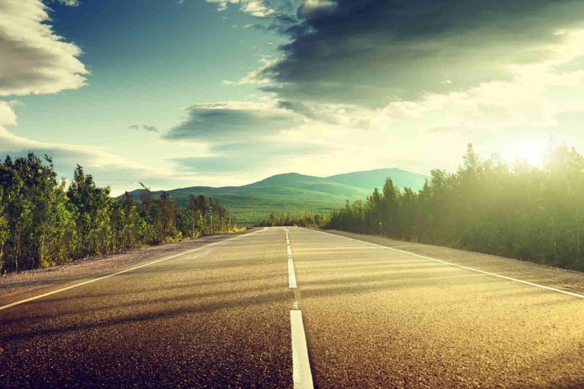 How Detailed Should Your Startup's Product Road Map Be? (Infographic)