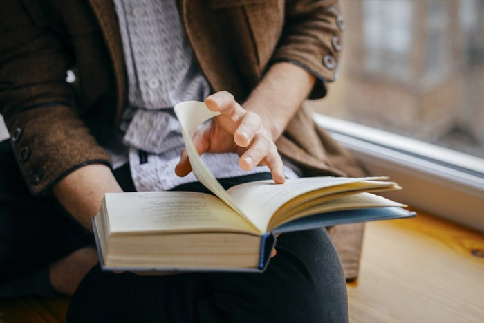 The Entrepreneur's Ultimate List of 8 Must-Read Books