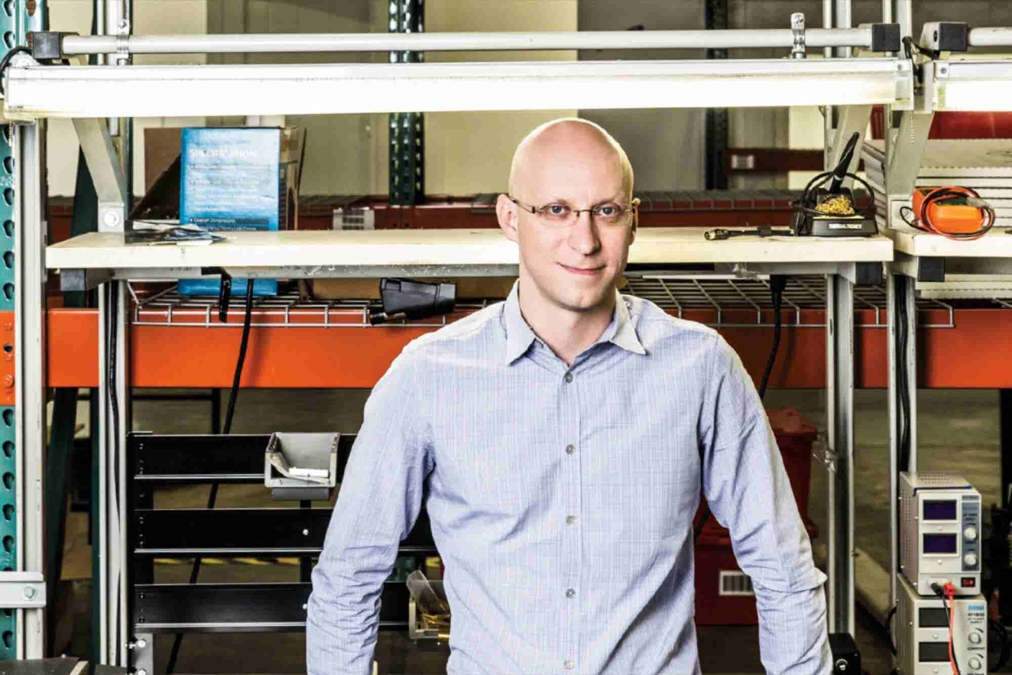 One Man's Software Background Makes Manufacturing Hardware Easy