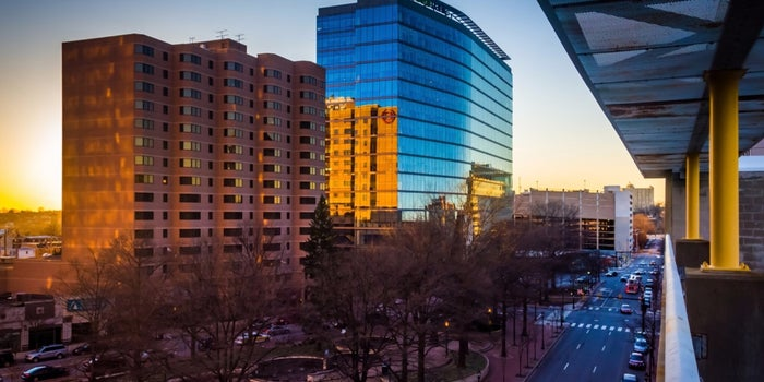Small Biz Thrives in Small Cities with These 3 Characteristics (Infographic)