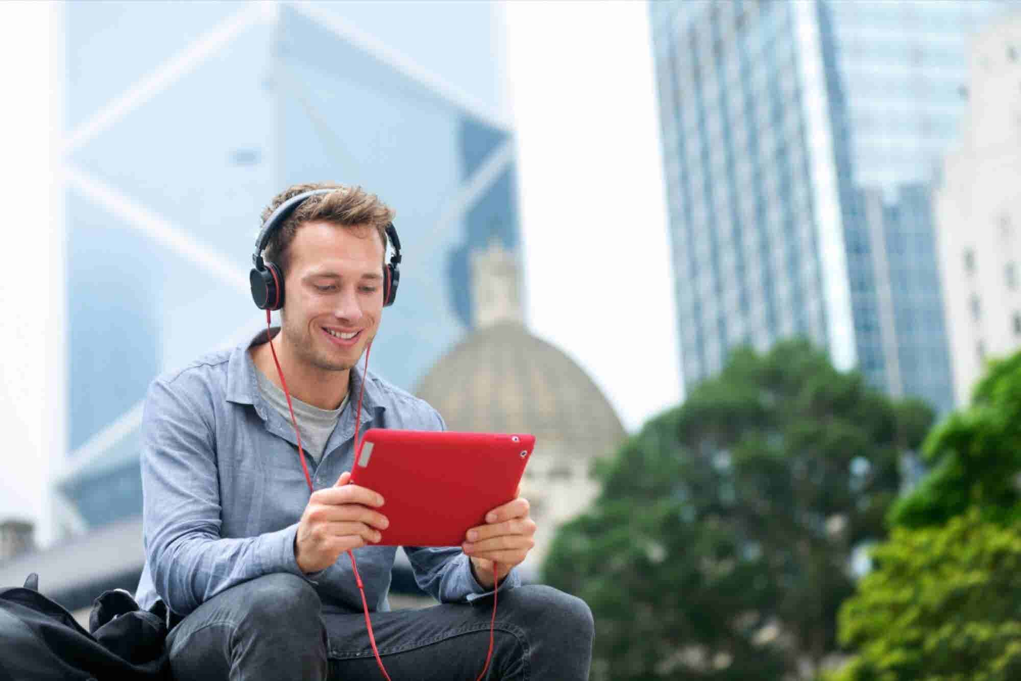 Amazon Wins Patent for Smarter Noise-Cancelling Headphones