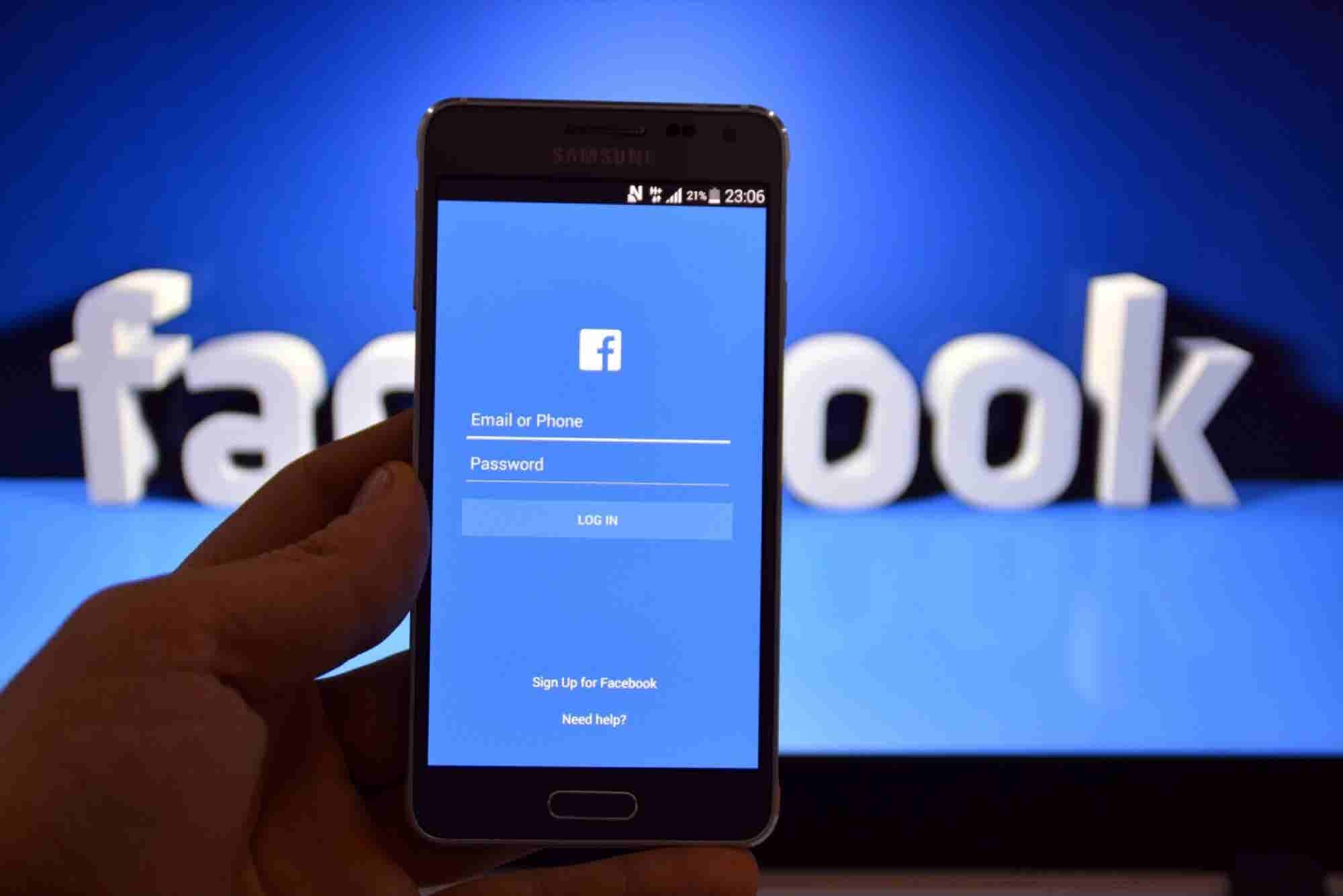 Facebook Reportedly Suppressed These Kinds of Stories