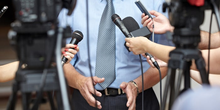 10 Ways to Become a Paid Speaker