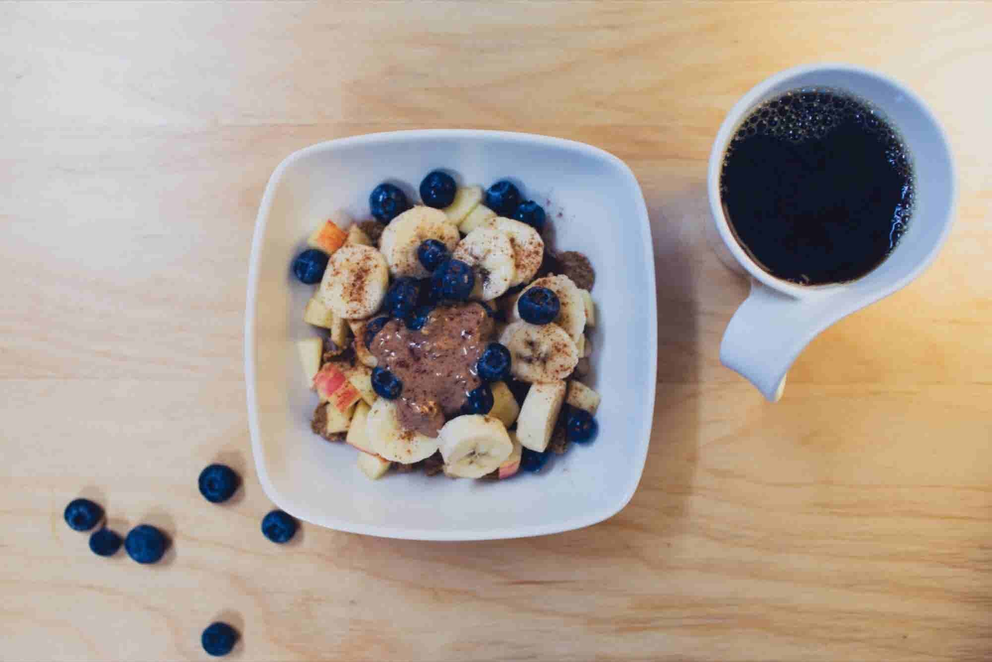 How to Maintain a Healthy Lifestyle While Chowing Down at Lunch Meetings