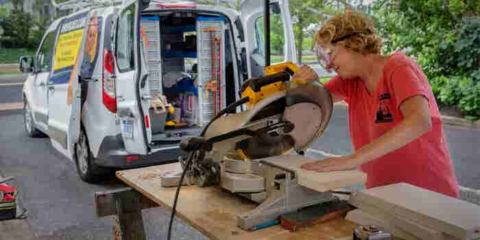 Mrs. Fixxit: Smashing the Plaster Ceiling in a Male-Dominated Industry