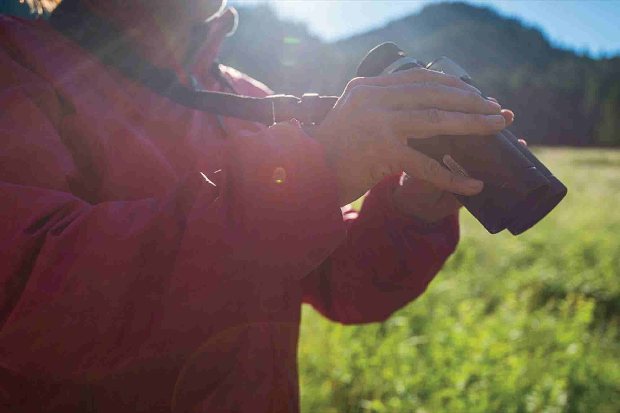 Meet the Entrepreneurs Who Set Their Sights on Bringing Quality Binoculars to the U.S.