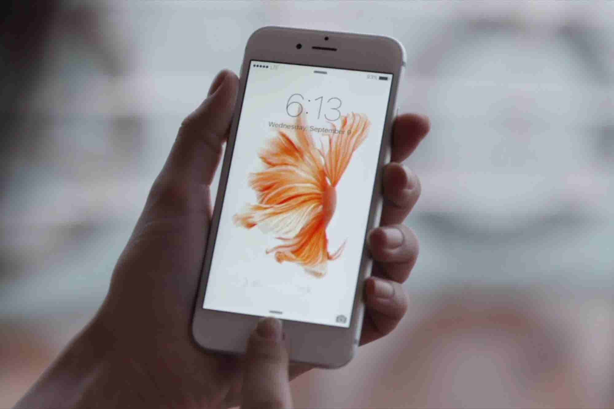 Stop Everything: The iPhone 6S and 6S Plus Are Now in Stores