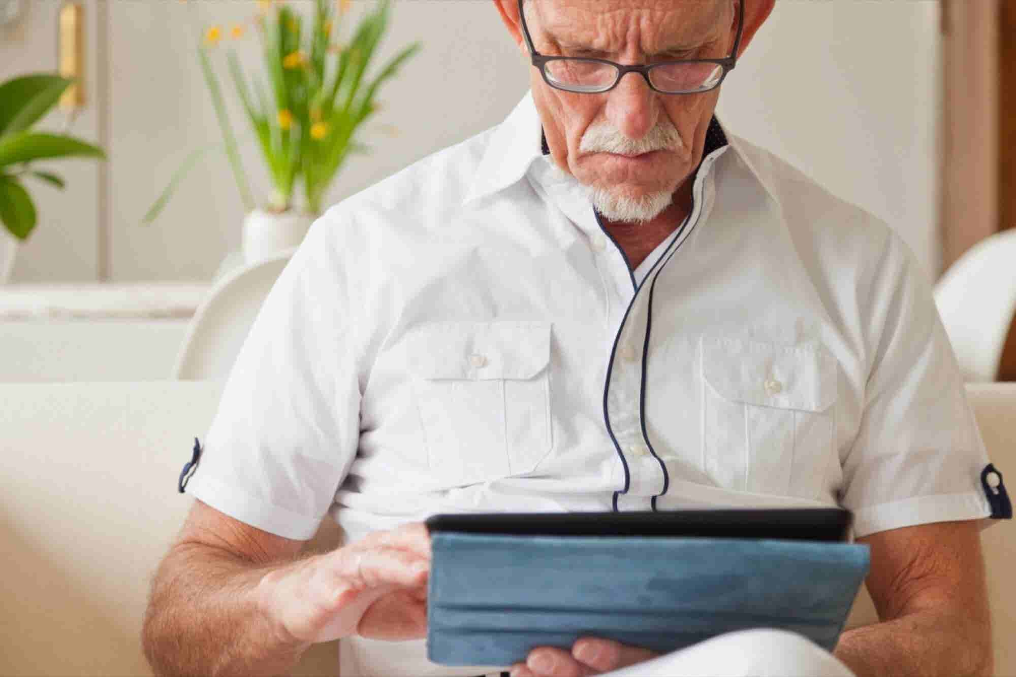 How Senior Citizens Can Use Technology to Ensure Safety