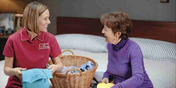 This Franchisee is 'Right at Home' in Her Choice of a Business That Delivers Loving Care