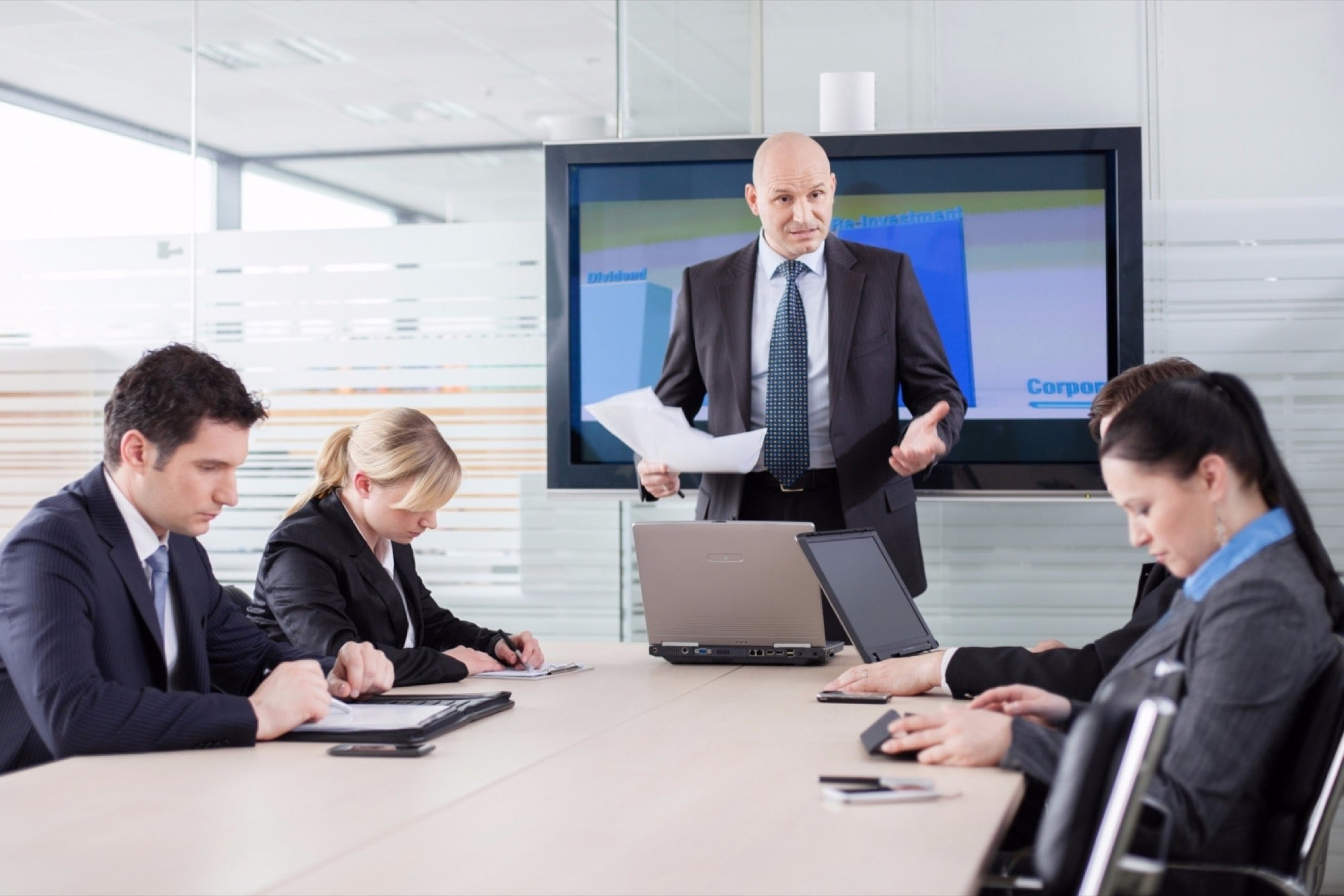 Are You a Manager or a Leader? Here's How to Tell the Difference.