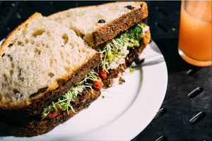 7 Reasons Not to Let Work Eat Into Your Lunch Break