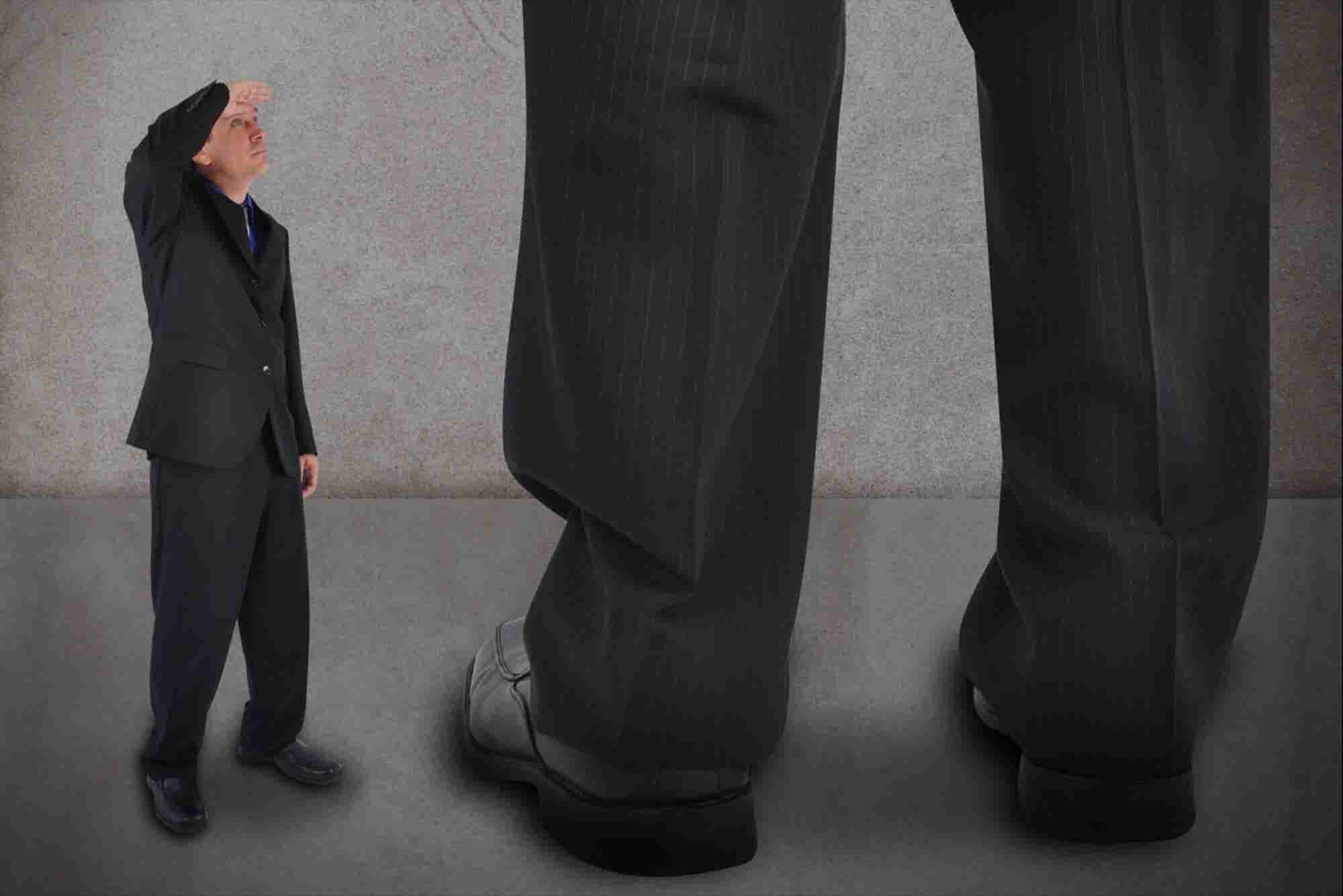 5 Issues Entrepreneurs Need to Be Aware of When Working With Big Customers