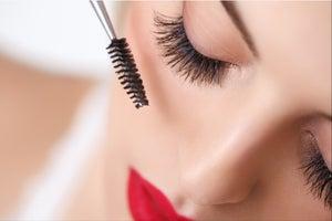 The Greasy, Glamorous Rise of Mascara