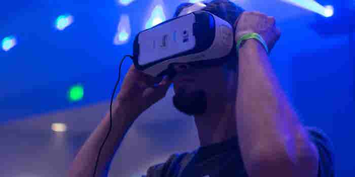 Artists, Startups Promote VR-Powered Space Tourism