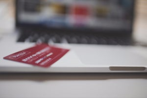 Guess Which Mega Brand Makes Companies Wait 86 Days for Payments (Infographic)