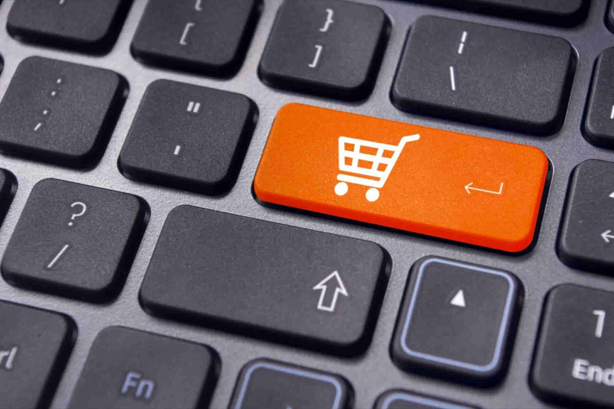 Bridging The Gap: Attracting Offline Shoppers To Your E-Commerce Startup
