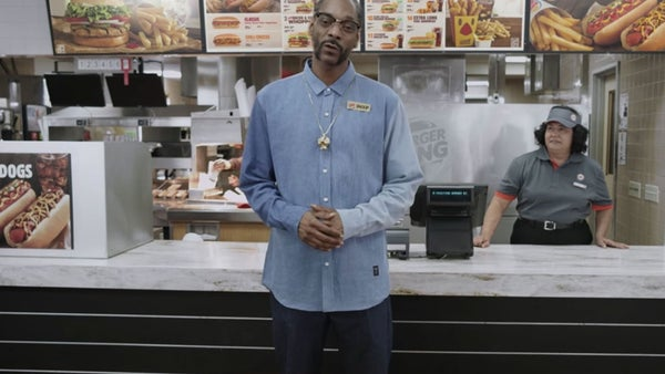 Snoop Dogg Teaches Burger King Staff How to Make Hot Dogs in New