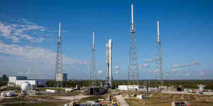 What's Behind the SpaceX Launch Delay -- Start Up Your Day Roundup