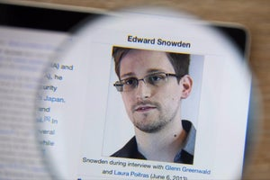 Snowden: FBI Claim That Only Apple Can Unlock iPhone Is BS