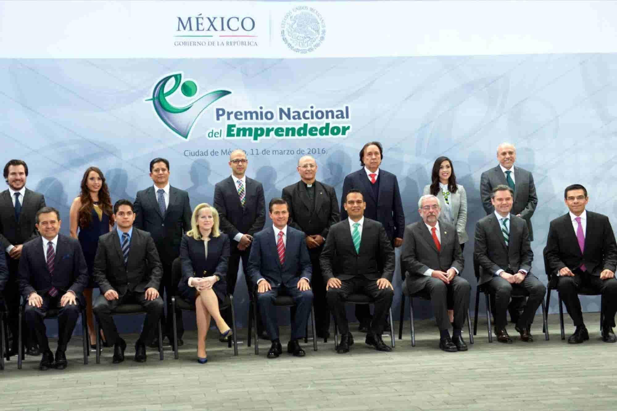 Emprendedores son un referente de éxito: EPN