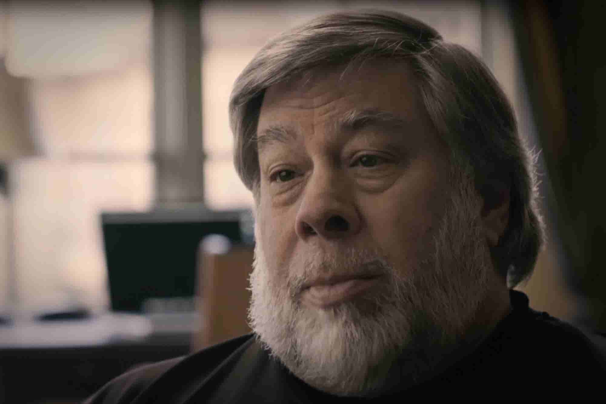 Apple Co-Founder Steve Wozniak Sweetly Describes How He Fell in Love With Tech in Fun Reddit Video