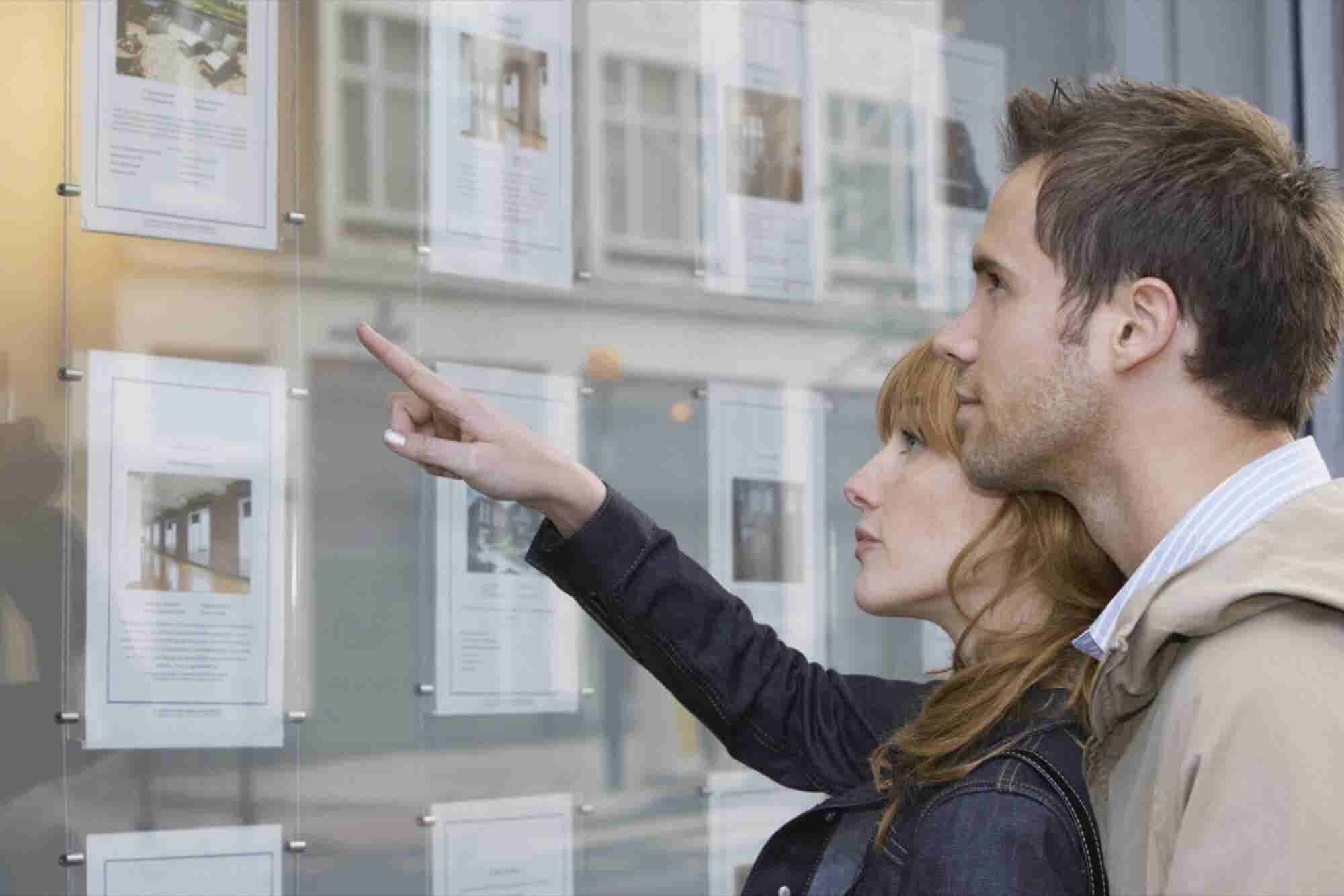 Is Real Estate Still a Man's Domain?