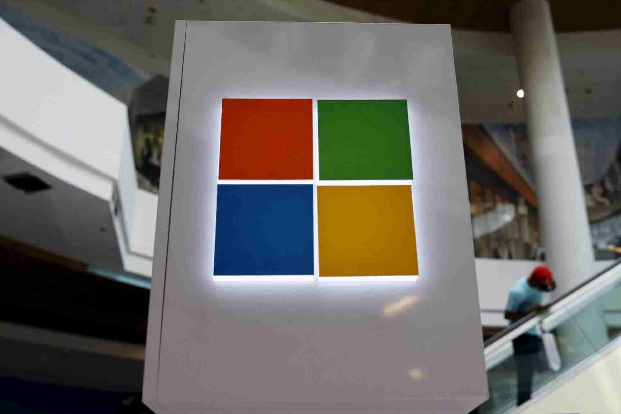 Microsoft Apologizes for Chatbot's Racist, Sexist Tweets