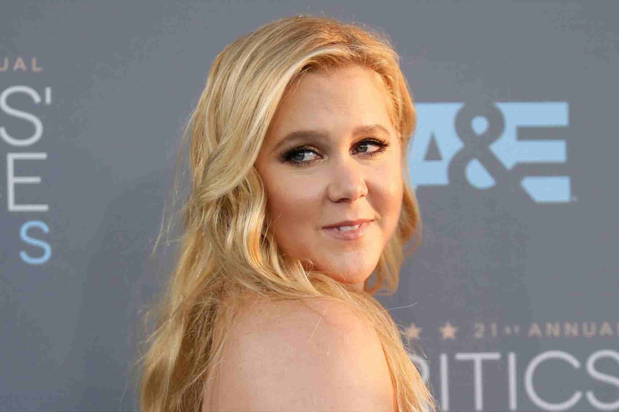 What You Can Learn From 'Glamour's' Brand-Tarnishing Amy Schumer 'Plus Size' Gaffe