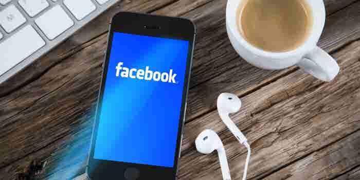 Facebook va contra Periscope