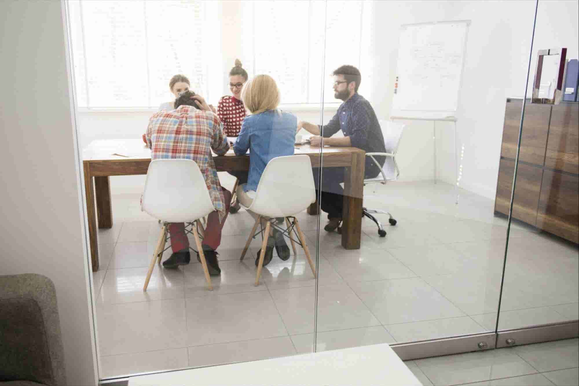 4 Reasons Why Women Should Join a Coworking Space Today