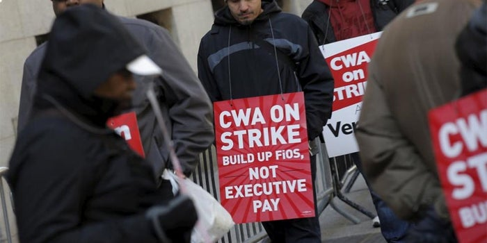 Verizon Says Strike Causing Delays in Service for New Customers