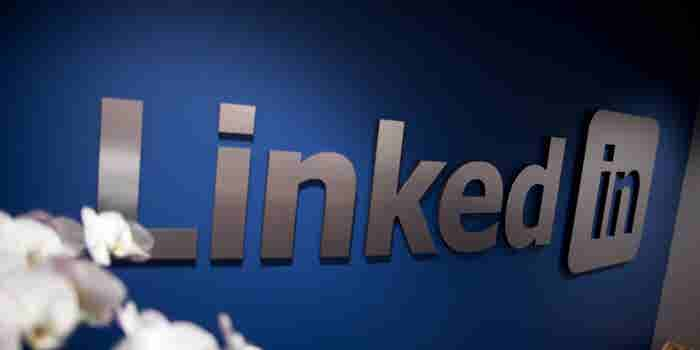 After Big Loss, LinkedIn Rebounds and Raises Revenue and Profit Forecast