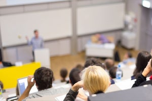 4 Reasons To Welcome Entrepreneurs As Guest Lecturers